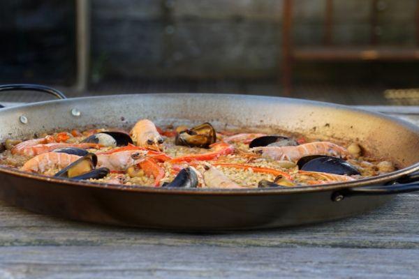 Seafood Paella Recipe 600x400