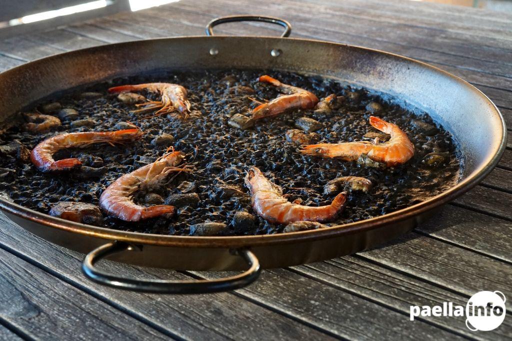 Squid ink paella recipe